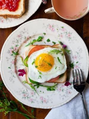 Fried egg on toast, artfully presented.
